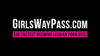 Lexi Lore and Harmony Wonder cum wildly after pussy licking