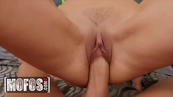 Stunning Babe (Desiree Dulce) Gets Her Pussy Pounded By (Xander Corvus) - Mofos