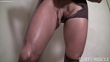 Mature Blonde Bodybuilder Rips Through Her Pantyhose