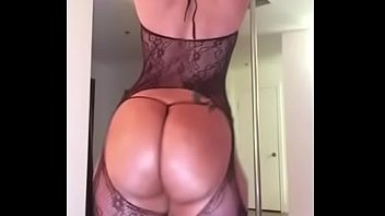 Instagram Model @maliah michel Shaking Her Ass thumbnail