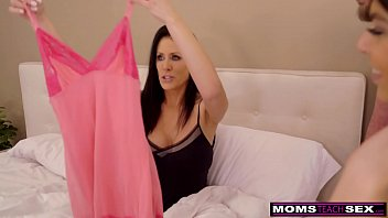Streaming Video Cumming With Her Step s. And d. This Mothers Day S30:E6 - XLXX.video