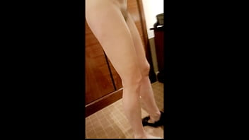HOT milf in hotel room - dressing and undressing. Totally exposed with hidden camera. plazacam
