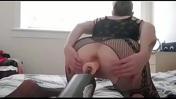 Coverhanysy fucked by sex machines