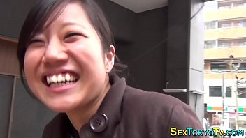 Skank porn clips - Japanese skanks flashing