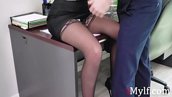 MILF gets the job by fucking the BOSS-Brooklyn Chase