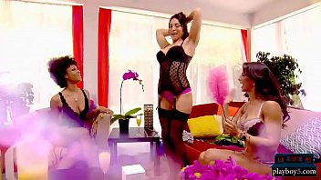 Divorced cougar gets lucky with y. guy and gets laid 6 min