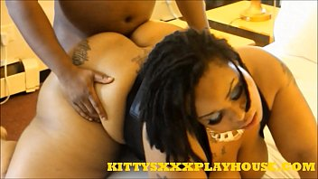 KITTYSXXXPLAYHOUSE.COM MEGABOOTY EBONY THICKNESS