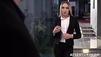 Angelika Grays loves deepthroat and anal with Kristof Cale