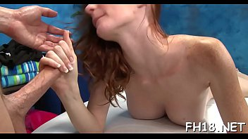 Inviting busty young Dee Dee Lynn enjoys a hefty pipe