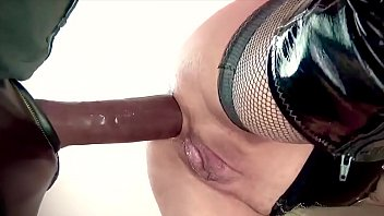 Leather skirt milf gallery movies - Fetish blonde se fait défoncer le cul par bbc