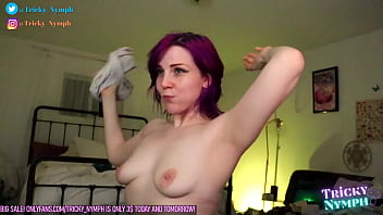 Dorky Camgirl Teases You in a Live Show