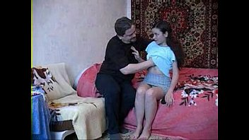 19 years old stepdaughter with dad 20分钟