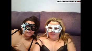 Lesbians Fell on the Net on Livecam Live View Sexlog!