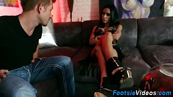 Buxom skanks feet spermed 6 min