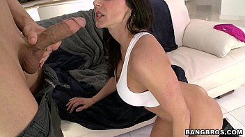 Kendra Lust gives some sloppy head