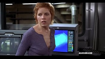 Kim Dickens in Hollow Man 2000