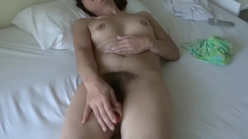 MY MATURE WIFE ENJOYS HER HUGE ON HER BEACH VACATION, ORGASMS AND INTENSE GROANS - ARDIENTES69
