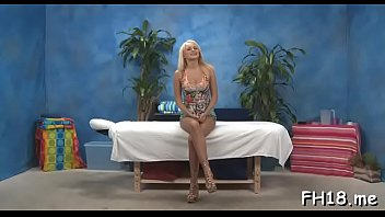 Lustful blonde honey Ivana Sugar seems to be a slut with such a blowjob