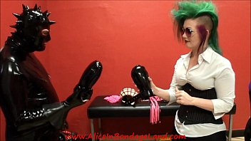 BEHIND THE SCENES Rubber Fetish Gummi Bondage Gear Interview AliceInBondageLand