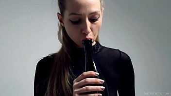 Petite Areana Fox masturbates with a bottle