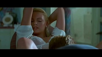 Charlize Theron in 2 Days in the Valley (1997)