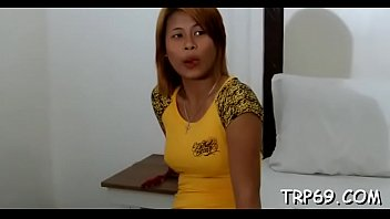 Seductive asian beauty likes it gently and gets nailed nice