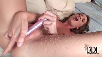 Sexy girl squirts