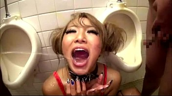 Japan cute girl get piss in mouth