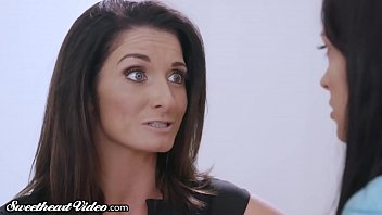 Sweetheart MILF Silvia Saige Eaten Out by College Babysitter!