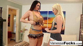 Streaming Video Alison & Vanessa Cage decide to fuck before a Halloween Party - XNXX.city