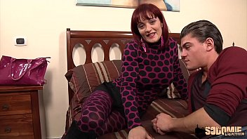 Mary, Italian milf wants to fuck with a youngster