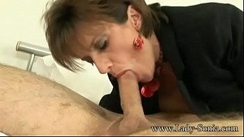 Lady Sonia meets a guy at hotel and sucks the cum out of his balls