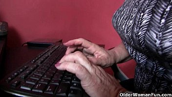 Mature granny stocking - American grannies lisa and karen need to get off