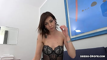 MY STEP MOTHER IS A COCK SLUT! (REAL FOOTAGE From Italy) - SESSO-24ORE.com