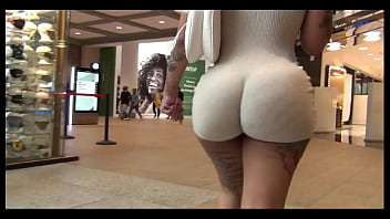 FAT JUICY BUBBLE BUTT Turns Heads In The Mall !!!!!  OMG  !!!!