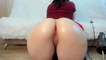 Huge Juicy Fat Ass Begging for you to Fuck her 45分钟