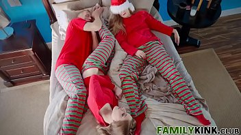 Erotic christmas e greetings - Daddy and daughter christmas cheer