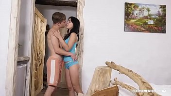 Teen Babe Gets her Peach Smashed Hard by Horny BF