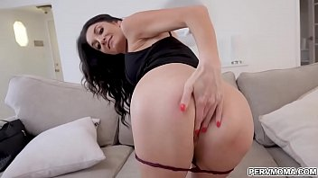 Stepson wants his stepmoms milf pussy and gave it to him!