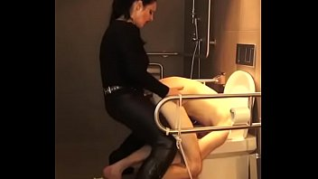 Tranny on toilet - If tgurl dod peg madih88 in wc