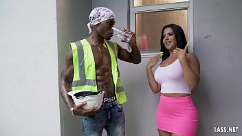 Interracial bareback monsters Rose monroe has to plow the delivery guys bbc