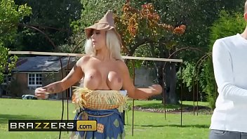 (Brooklyn Blue, Danny D) - Sex With The Scarecrow - Brazzers thumbnail