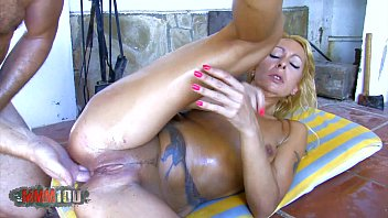 Fucking my neice mmm Blonde milf brutal fuck in her ass and squirting