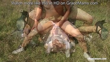 Granny fucked on the grass and deepthroating young cock Vorschaubild