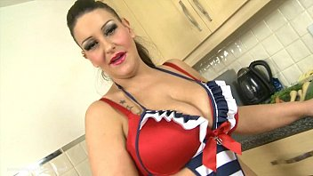 Plump British MILF Deepthroats Vegetables
