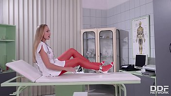 Sex Goddess Kayla Green Gives Intense Footjob To Patient At The Fetish Clinic