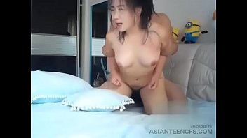 (AMATEUR) Hairy chubby Asian GF gets fucked in bedroom