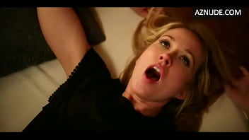 Heather Graham licking Anna Camp Pussy (Looped)