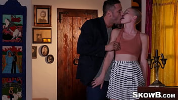 Short haired beauty Riley Nixon bouncing on dick