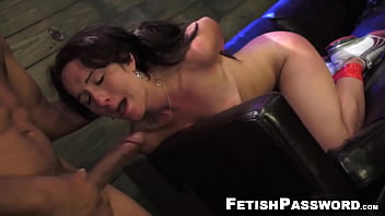 Mesmerizing Evelyn cock smacked into submission 8分钟